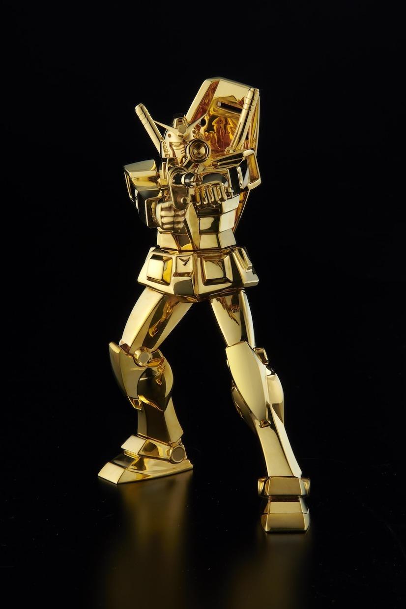 مجسم (من الذهب الخالص) لمحارب كاندام!