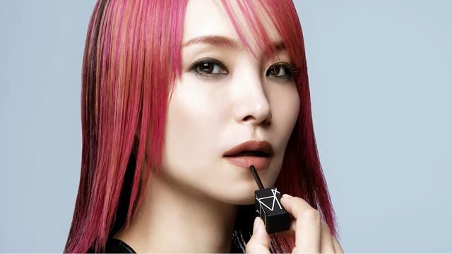 المغنية LiSA هي وجه براند أحمر الشفاه الأحدث في اليابان!